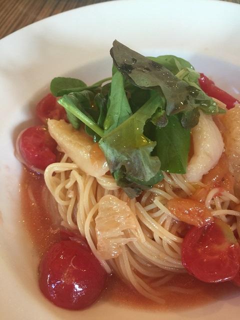 キッチンハウス えすかるご さくらんぼとももとグレープフルーツフレッシュトマトの冷製Pasta