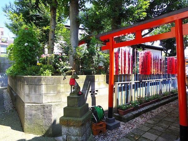 「梶原塚(梶原稲荷神社)」