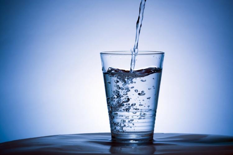 Clean-water-in-glass-e14268068741251.jpg
