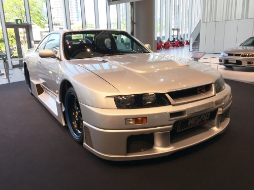 160512_nissan-global-gallery_R33GT-R-LM