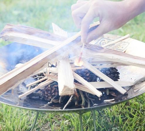 ビギナーが簡単に焚火ができることに特化したColeman(コールマン) ファイヤーディスク