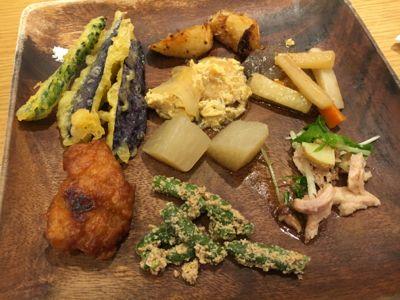 AEN TABLE 野菜中心の食べ放題です