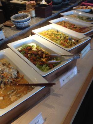 菜食健美のランチバイキング おかずの例