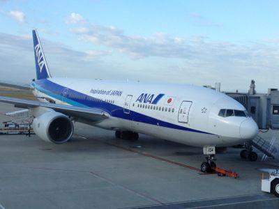 神戸空港では珍しい大型機 ボーイング777