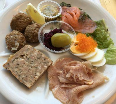 IKEAレストラン スウェーデン風の前菜セット