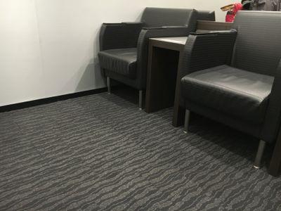 カードラウンジ華 通常の椅子
