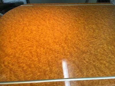 日本航空 国内線ファーストクラスのテーブル