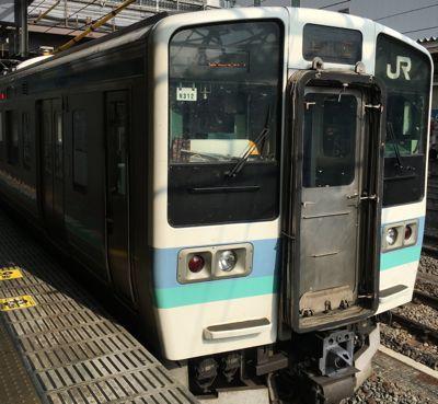 甲府駅 良くある近郊型電車