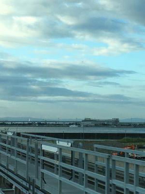 ポートライナー 神戸空港が見えて来ました
