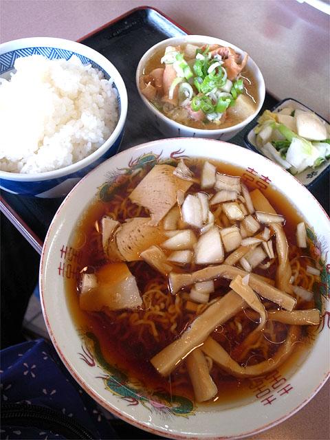 150921ホルモン料理 円城-ラーメン定食