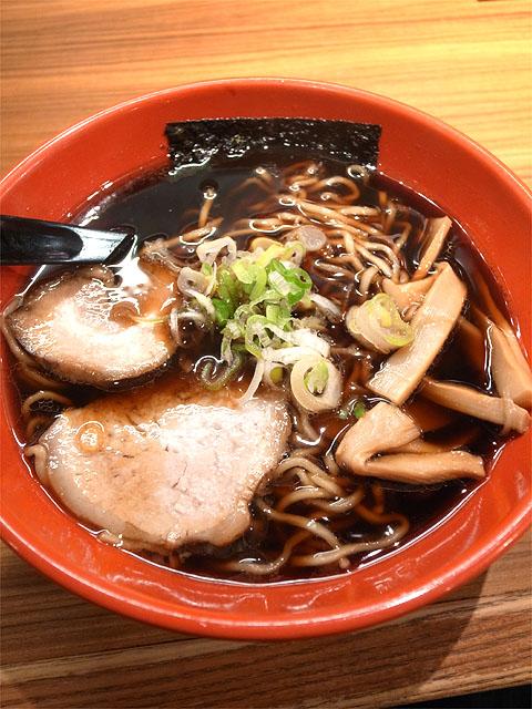 150921麺家いろは 富山駅前CiC店-富山ブラック 黒醤油ラーメン