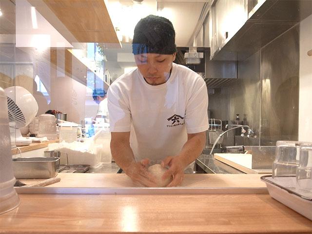 150912麺や七彩 八丁堀店-捏ね