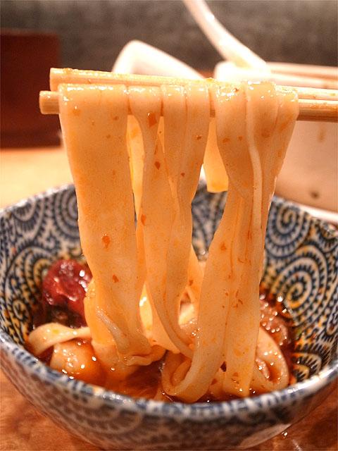 151031すずらん-麻辣羊肉麺・麺リフト