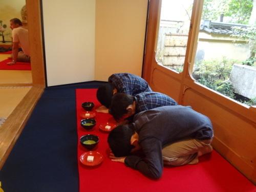 金閣寺でお抹茶