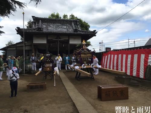 神社と神輿