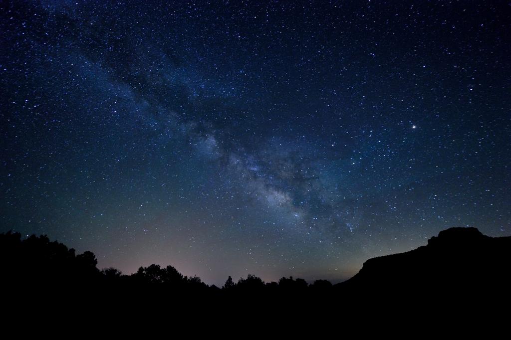 フェイキャニオンの星空 Starry sky over the Fay Canyon