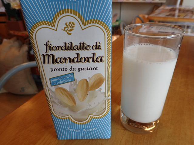 アーモンドミルク (3)