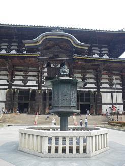 narasi-toudaiji-daibutuden-tourou.jpg
