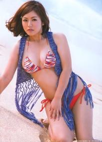 isoyama_sayaka_g127.jpg