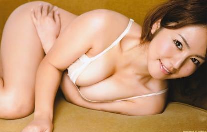 isoyama_sayaka_g136.jpg
