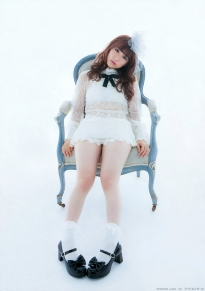 ohshima_yuko_g157.jpg