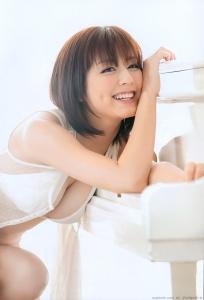 sugimoto_yumi_g176.jpg