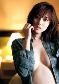 sugimoto_yumi_g185.jpg