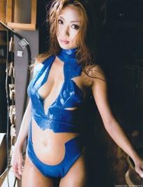tsugihara_kana_g072.jpg