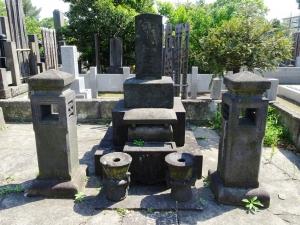 巻菱湖の墓