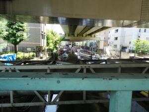 金杉橋の下流側