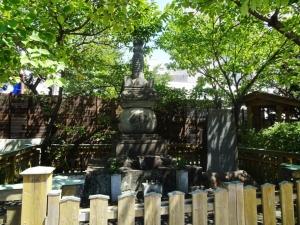 宝台院(西郷の局)の墓