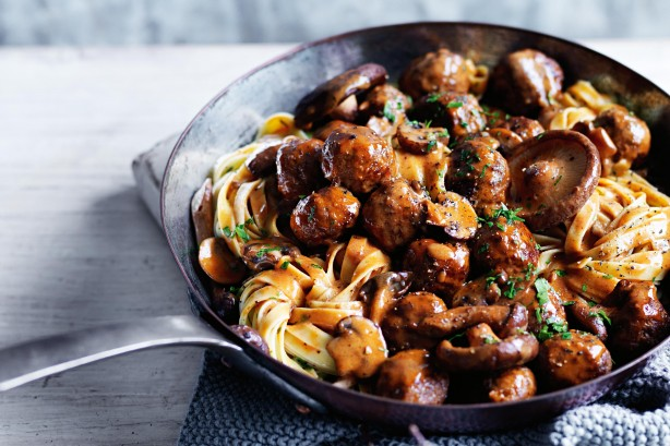 venison-meatball-and-wild-mushroom-ragout-32983_l.jpeg