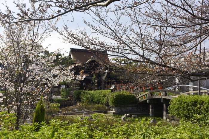 六尊王神社