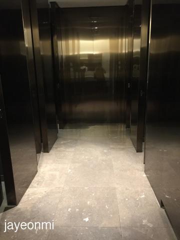 ソウル_トイレ_現代百貨店3