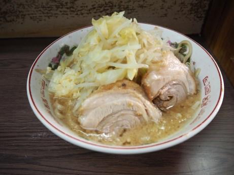 160716_横浜関内_小ラーメン_麺少な目_ニンニク