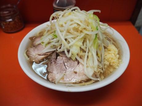 160829_神田神保町_ラーメン_麺少な目_ニンニク