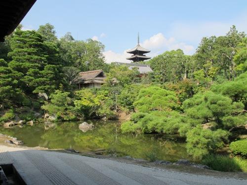 バス・京都世界遺産 102