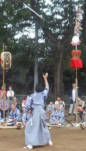 ②原馬室の獅子舞・棒術 20150823 真剣