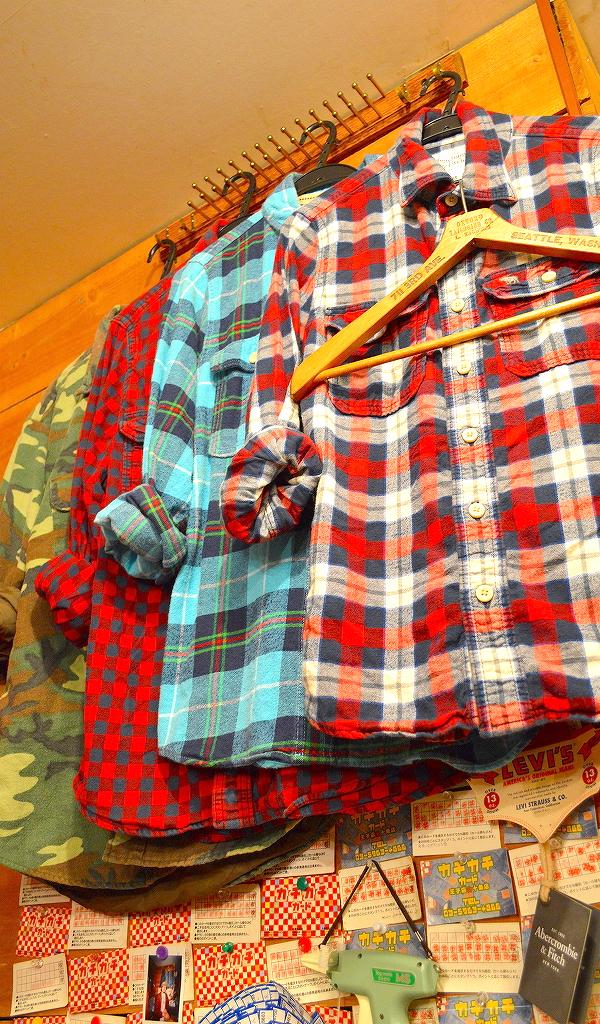 東京都北区の古着屋店内コーデ画像@カチカチ03