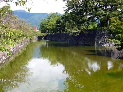 松本城_本丸北側堀