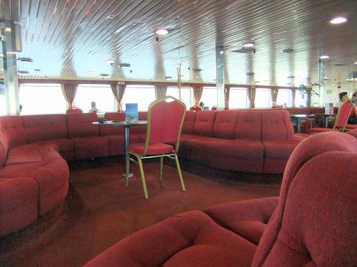 アルテミス号船内