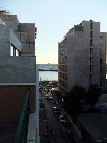 宿から見る港