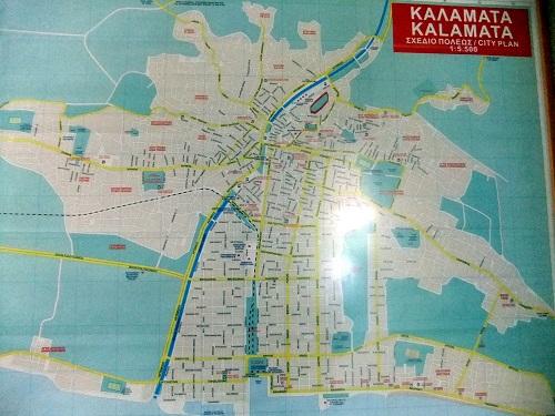 カラマタのKTELで (1)