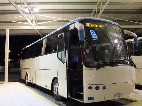 カラマタ_KTELでバス待ち (1)