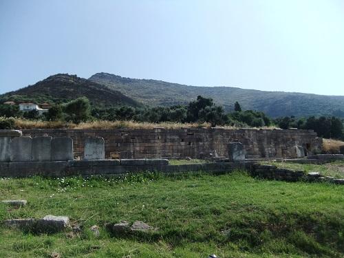 古代メッシーニ_アルシノエの泉の場 (2)