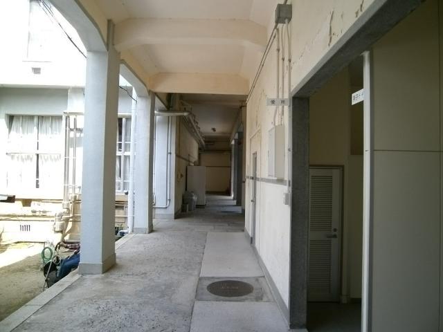 赤レンガ裏の建物 (5)