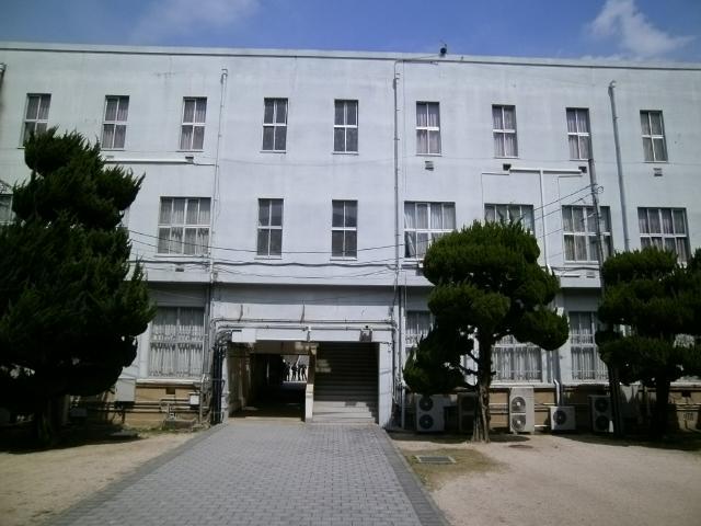 赤レンガ裏の建物 (10)