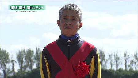 【画像】岩田おじいちゃん、白髪を銀に染める