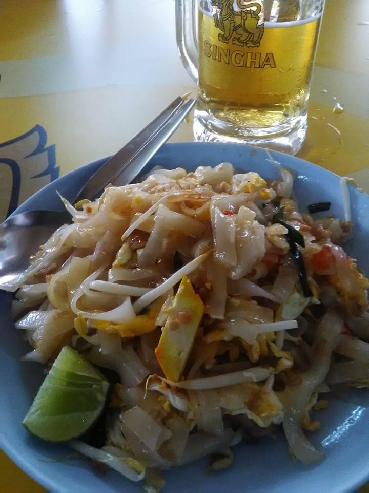 タイ料理たちパッタイ