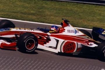 Jacques_Villeneuve_1999_Canada.jpg